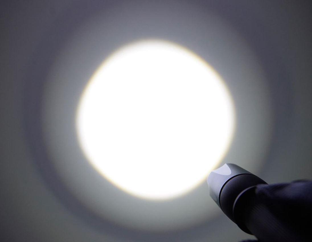 Světla | svítilny: e.s. Kapesní svítilna LED na baterie FL5 5